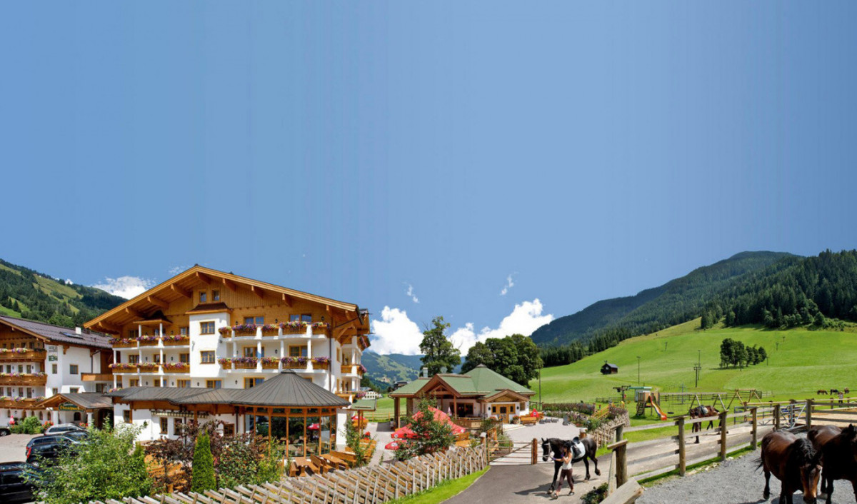 Außenansicht Hotel Oberschwarzach