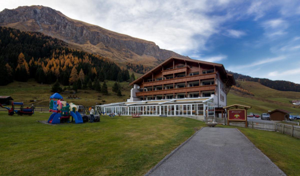 Außenansicht Hotel Hintertuxerhof