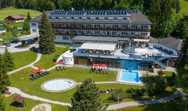 Außenansicht Das Hotel Restaurant Grimmingblick
