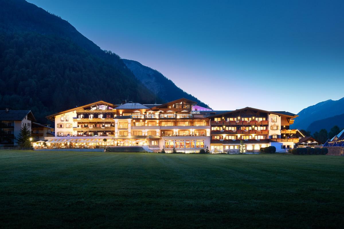 Außenansicht Alpine Wellnesshotel Karwendel